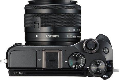 Bild Neben dem Programmwählrad bietet die Canon EOS M6 ein Belichtungskorrekturrad sowie zwei Steuerräder auf der Kameraoberseite. [Foto: Canon]