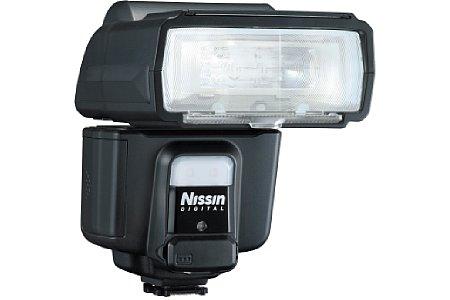 Bild Zusätzlich zum Leitzahl 60 starken 24-200mm-Zoomreflektor besitzt der Nissin i60A über eine 2 LED starke Videoleuchte, die auch als Foto-Dauerlicht verwendet werden kann. [Foto: Nissin]