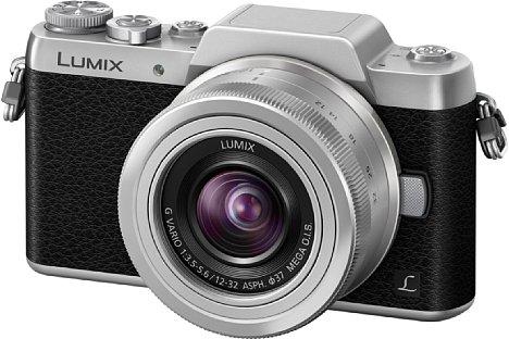 Bild Die Panasonic Lumix DMC-GF7 ist der GM-Serie optisch ähnlicher als dem Vorgängermodell GF6. Das Gehäuse schrumpft deutlich und weist nun ein Bicolor-Retrodesign auf, ohne auf hochwertige Technik im Inneren zu verzichten. [Foto: Panasonic]