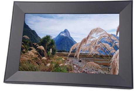 Bild Der Aura Frames Carver ist ein digitaler 16:10-Bilderrahmen zur Präsentation von Fotos. [Foto: MediaNord]