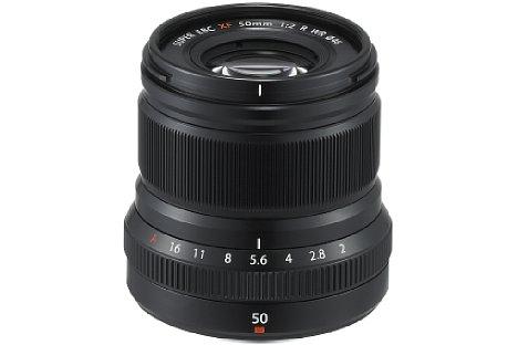 Bild Das Fujifilm XF 50 mm F2 R WR besitzt ein an zehn Stellen wetterfest gedichtetes Metallgehäuse. Auch Frost bis -10 Grad Celsius widersteht die Festbrennweite. [Foto: Fujifilm]