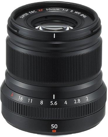 Bild Das 200 Gramm leichte Fujifilm XF 50 mm F2 R WR besitzt ein Metallgehäuse und ist gegen Staub und Spritzwasser abgedichtet. [Foto: Fujifilm]