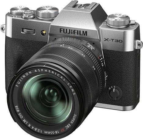 Bild Fujifilm X-T30 II mit XF 18-55 mm. [Foto: Fujifilm]