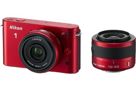 Bild Bei den Doppelobjektiv-Kits der Nikon 1 J1 (hier mit VR 10-30 mm Zoomobjektiv und 10 mm Pancake-objektiv) waren die Objektive farbig auf die Kamera abgestimmt. [Foto: Nikon]