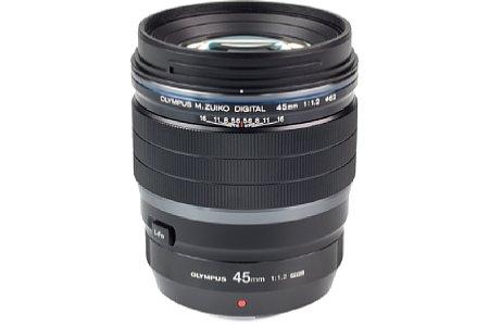 Bild Das 45 mm 1.2 ED Pro ist das zweite erhältliche F1,2 lichtstarke Objektiv von Olympus. Mit einer kleinbildäquivalenten Brennweite von 90 Millimeter und einem fantastischen Bokeh ist es für Porträts prädestiniert. [Foto: MediaNord]