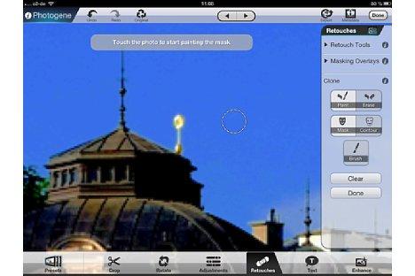 Bild Mit der Retusche-Funktion können auch überflüssige Elemente verschwinden, so wie hier der Scheinwerfer auf dem Dach des Gebäudes. [Foto: Ralf Spoerer]