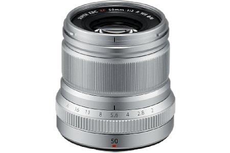 Bild Das Fujifilm XF 50 mm F2 R WR gibt es nicht nur in Schwarz, sondern auch in Silber. Der Preis liegt bei knapp 500 Euro. [Foto: Fujifilm]