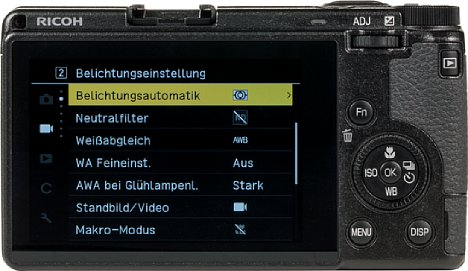 Bild Das Display auf der Rückseite der Kamera lässt sich zwar nicht bewegen, besitzt dafür aber einen hohen Betrachtungswinkel. [Foto: MediaNord]