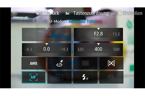 Bild Auch via Schnellmenü lässt sich die Samsung NX1 bequem konfigurieren. Insbesondere da das berührungsempfindliche Display Kommandos auch per Fintertipper und -gesten entgegennimmt. [Foto: Martin Vieten]