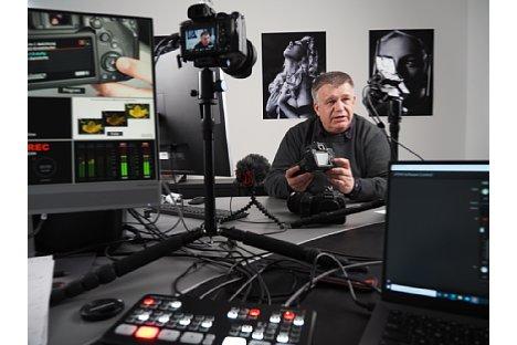 """Bild Ernst Ulrich Soja bei der Produktion des Schulungsvideo """"Fortgeschrittenen-Kurs für Canon"""". [Foto: MediaNord]"""