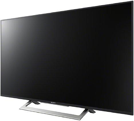 Bild Der Fuß eines Fernsehgerät wie der Sony Bravia KD43XD8005 besitzt einen normalen, nicht neigbaren Fuß. Die Position des Bildschirms ist zudem etwas tiefer als bei einem Computer-Monitor. [Foto: Sony]