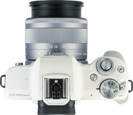 Bild Die Bedienelemente der EOS M50 Mark II auf der Oberseite sind übersichtlich, aber gut zu erreichen. [Foto: MediaNord]