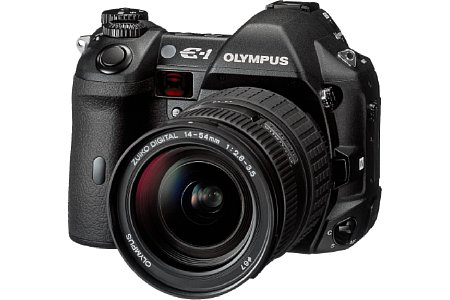Digitalkamera Olympus E-1 [Foto: Olympus Europe]