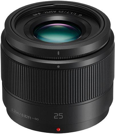 Bild 120 Gramm Objektiv für knapp 200 Euro: Das Panasonic Lumix G 25 mm F1.7 ist vor allem preiswert und leicht. [Foto: Panasonic]