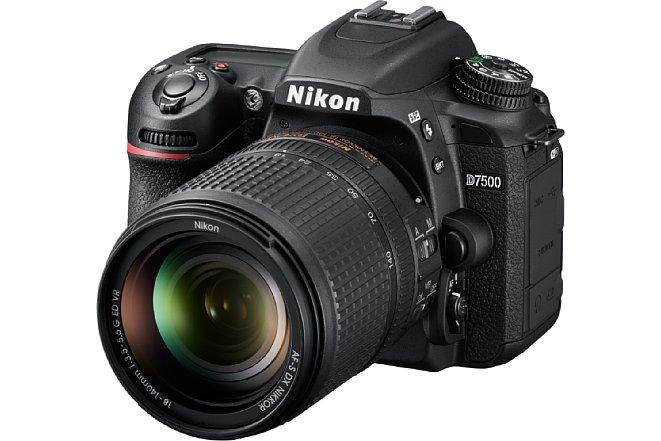 Bild Die Nikon D7500, hier im knapp 1.850 Euro teuren Set mit dem AF-S Nikkor 18-140 mm 1:3,5-5,6G ED VR, erbt viel Technik aus dem APS-C-Spitzenmodell D500. [Foto: Nikon]