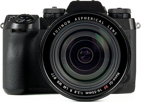 Bild Das XF 16-55 mm ist nicht das kleinste Objektiv, dafür liefert es aber hervorragende Bildergebnisse. [Foto: MediaNord]