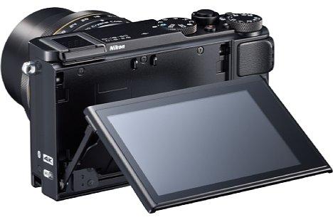 Bild Der Bildschirm derNikon DL18-50 f/1.8-2.8lässt sich um 90 Grad nach unten und180 Grad nach oben klappen. [Foto: Nikon]