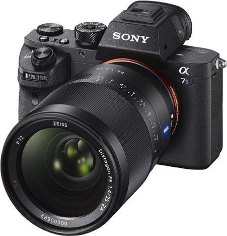 Bild Mit der Sony Alpha 7S II ist nun die Runderneuerung der Alpha-7-Serie abgeschlossen: zu jeder Alpha 7 gibt es eine Römisch-2-Version. [Foto: Sony]