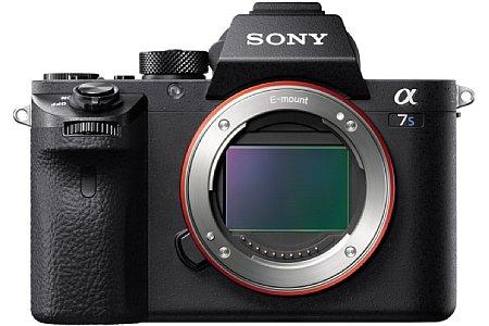 Der große Vollformat-Sensor der Sony Alpha 7S II besitzt lediglich 12,2 Megapixel. Damit ist die Kamera ideal für Aufnahmen bei wenig Licht. [Foto: Sony]