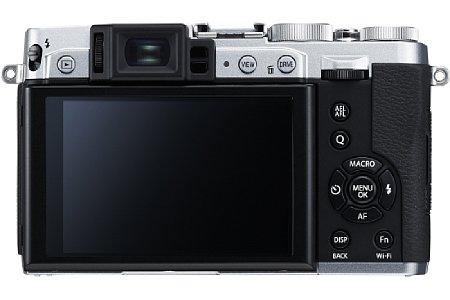 Bild Der klappbare 7,6-cm-Bildschirm der Fujifilm X30 erlaubt Aufnahmen auch aus tiefen oder hohen Positionen. [Foto: Fujifilm]