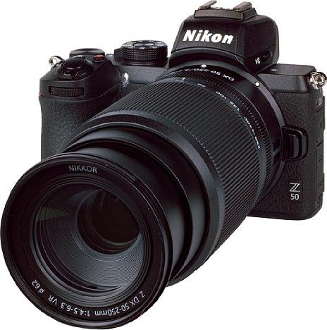 Bild 850 Gramm wiegt die Kombination der Nikon Z 50 mit demZ Nikkor 50-250 mm 4,5-6,3 VR DX. [Foto: MediaNord]