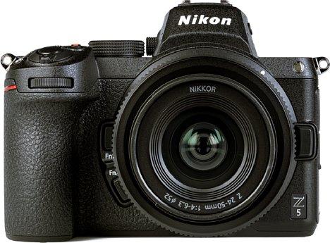 Bild Die Z 5 ist die dritte erhältliche spiegellose Vollformat-Systemkamera von Nikon. Der Bildsensor löst moderate 24,5 Megapixel auf und beherrscht auch 4K-Videoaufnahmen. Zudem ist er zur Bildstabilisierung beweglich gelagert. [Foto: MediaNord]