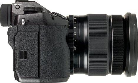 Bild Die X-H1 ist in Kombination mit dem XF 16-55 mm keine Handtaschenkamera. [Foto: MediaNord]