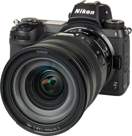 Bild Das Nikon Z 24-70 mm 1:2,8 S besitzt ein stattliches 82mm-Filtergewinde und besitzt eine hervorragende Linsenvergütung, so dass es an der Nikon Z 7 sehr hohe Kontraste ohne Störungen überträgt. [Foto: MediaNord]