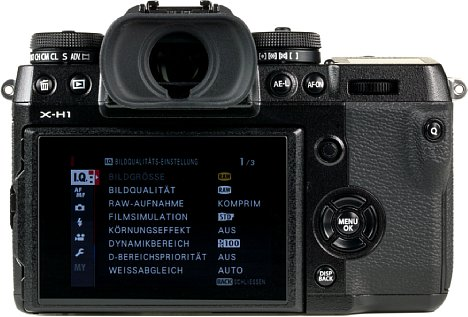 Bild Der bewegliche Monitor der X-H1 löst mit 1.04 Millionen Bildpunkten auf und besitzt eine recht präzise Touchfunktion. [Foto: MediaNord]