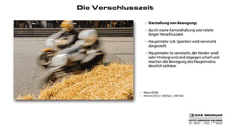"""Bild Einsteiger Fotokurs mit Uli Soja: Seite aus der Seminar-Präsentation """"Die Verschlusszeit"""". [Foto: Foto Gregor Gruppe]"""
