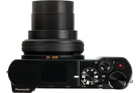 Bild Dank Programmwählrad, Daumenrad und Objektivring sowie zahlreichen Tasten lässt sich die Panasonic Lumix DMC-TZ101 auch von ambitionierten Anwendern wunderbar bedienen. [Foto: MediaNord]