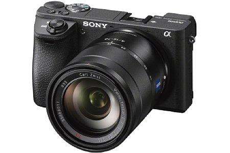 """Bild Die Sony Alpha 6500 nimmt dank des Front-End LSIs über 300 Serienbildaufnahmen am Stück auf. Die maximale Serienbildrate liegt aber """"nur"""" bei 11 Bildern pro Sekunde. [Foto: Sony]"""