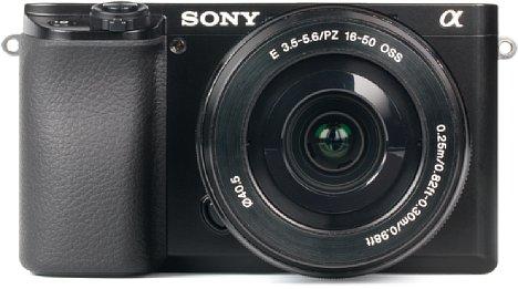 Bild Die Sony Alpha 6100 besitzt ein gut verarbeitetes Kunststoffgehäuse. [Foto: MediaNord]
