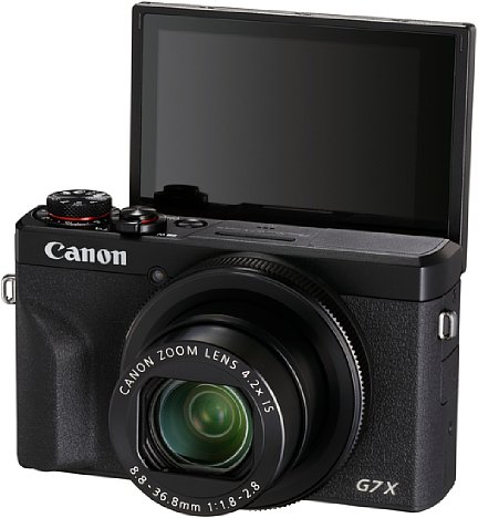 Bild Als erste Kompaktkamera bietet die Canon PowerShot G7 X Mark III Live-Streaming via WLAN. Das Display lässt sich um 180 Grad nach oben klappen, damit man den Bildausschnitt beim Livestream beurteilen kann. [Foto: Canon]