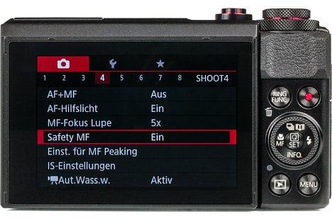 Bild Die Canon PowerShot G7 X Mark II lässt sich sowohl über den klappbaren Touchscreen als auch über Tasten bedienen. [Foto: MediaNord]