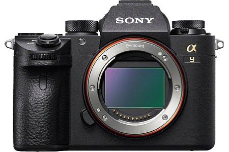 Bild Der neue Vollformatsensor der Sony Alpha 9 löst 24 Megapixel auf und bietet mit dem integrierten DRAM, dem Front-End-LSI und dem Bionz X 20 Serienbilder pro Sekunde bei unterbrechungsfreiem 60 fps Livebild samt 60 AF/AE-Berechnungen pro Sekunde. [Foto: Sony]