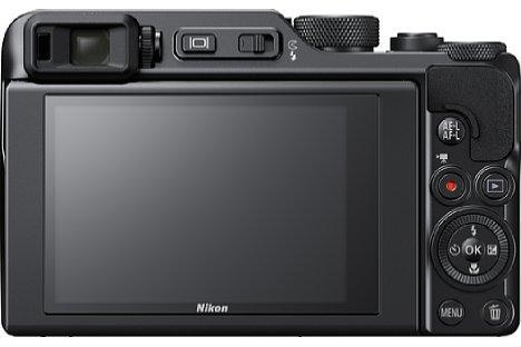 Bild Erstmals in seiner Reisezoomserie bietet Nikon mit der Coolpix A1000 einen elektronischen Sucher. Der Touchscreen lässt sich für Selfies um 180 Grad nach unten klappen. [Foto: Nikon]