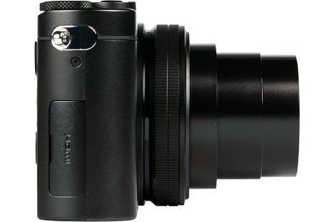 Bild Neben der Micro-HDMI-Schnittstelle bietet die Panasonic Lumix DMC-TZ101 auch eine Micro-USB-Buchse. Ferner lässt sie sich per WLAN fernsteuern. [Foto: MediaNord]