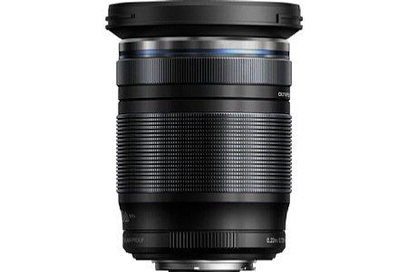 Bild Das Olympus M Zuiko Digital ED 12-200 mm 1:3.5-6.3 hat einen besonders breiten Zoomring, aber dafür einen umso schmaleren Fokusring. [Foto: Olympus]