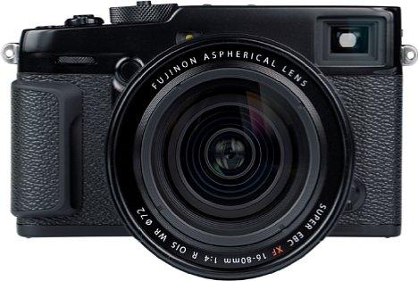 Bild Richtig ergonomisch ist die Fujifilm X-Pro3 mit ihrem flachen Handgriff und dem Ziegelsteindesign nicht. Die großzügigen Belederungen mit genarbter Optik sehen zwar schick aus, sind aber rutschiger, als man vom Ansehen denken würde. [Foto: MediaNord]