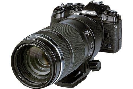 Bild Die Kombination des OlympusM.Zuiko Digital ED 100-400 mm F5.0-6.3 IS mit der OM-D E-M1 Mark III bringt stattliche 1,9 Kilogramm auf die Waage. [Foto: MediaNord]