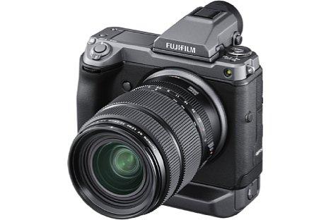 Bild Mit der neuen GFX100 setzt Fujifilm nicht nur bei der Auflösung (102 Megapixel) neue Maßstäbe im spiegellosen Mittelformat, sondern beispielsweise auch beim Autofokus (Hybrid mit 3,76 Millionen Phasen-AF-Sensoren). [Foto: Fujifilm]