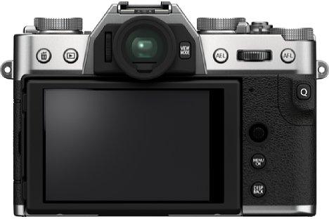 Bild Der rückwärtige Touchscreen der Fujifilm X-T30 II löst mit 1,62 Millionen Bildpunkten deutlich höher auf als die 1,04 Millionen Bildpunkte des Vorgängermodells. [Foto: Fujifilm]