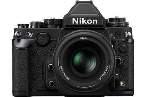 Bild Die Nikon Df besitzt ein spritzwassergeschütztes Magnesiumgehäuse mit großzügiger Belederung aus Gummi. [Foto: Nikon]