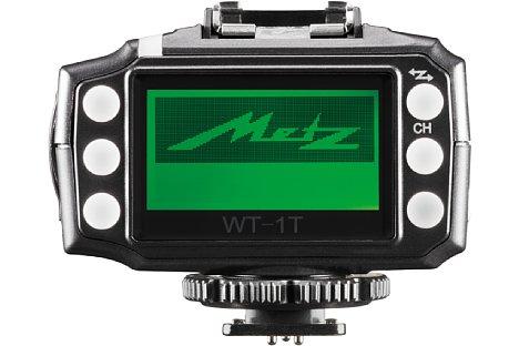 Bild Durch das große Display des WT-1T Transceivers lassen sich alle Einstellungen bequem im Blick behalten. [Foto: Metz]
