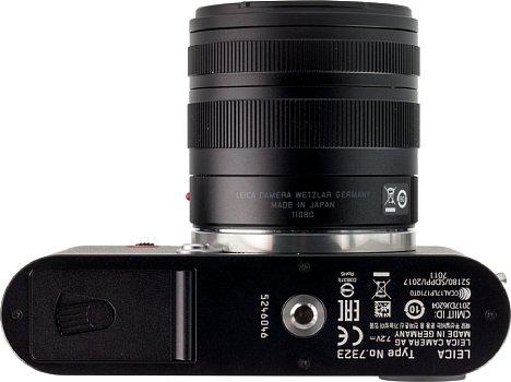 Bild Das Stativgewinde sitzt bei der Leica CL vorbildlich in der optischen Achse. [Foto: MediaNord]