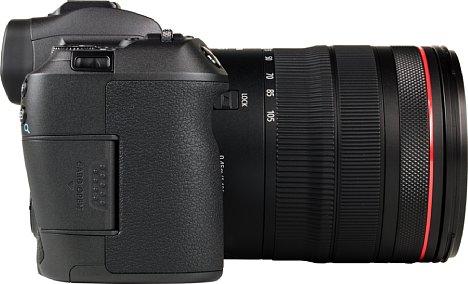 Bild Nur ein Speicherkartenfach hat Canon der EOS R spendiert. Immerhin ist es zu UHS II kompatibel und auch recht schnell. [Foto: MediaNord]