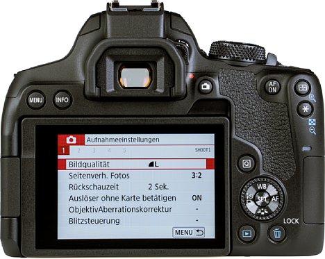 Bild Die Canon EOS 850D stellt zwei unterschiedliche Menü-Versionen zur Verfügung. Eine für Einsteiger und eine für fortgeschrittenere Fotografen. [Foto: MediaNord]