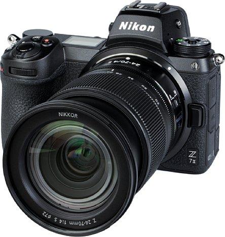 """Bild Das NikkorZ 24-70 mm F4 S ist ein """"expandable"""". Bereits für die hier zu sehende Weitwinkelstellung muss es ein Stück weit ausgefahren werden. Zum Transport wird es eingefahren, so dass es dann möglichst kompakt ist. [Foto: MediaNord]"""