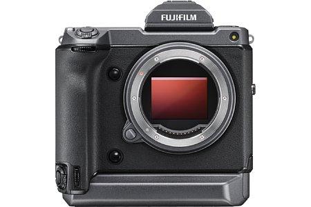 Bild Mit etwa 44 mal 33 Millimetern (55 Millimeter Diagonal) stellt der Bildsensor der Fujifilm GFX100 das Kleinbild-Vollformat in der Fläche um den Faktor 1,7 in den Schatten. [Foto: Fujifilm]